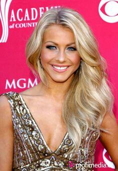 Julianne Hough, blonde