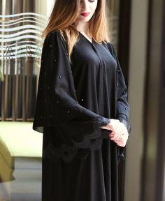 Niqab Fashion, Dubai Fashion, Muslim Fashion, Fashion Outfits, Fashion Women, Burqa Designs, Abaya Designs, Mehndi Designs, Hijab Style Tutorial