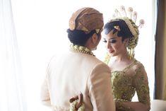 Pernikahan Adat Jawa Deta dan Prima di Jakarta