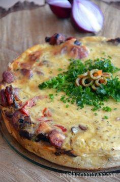 Tarta (Quiche) z kiełbasą i pieczarkami Quiche, Breakfast, Food, Morning Coffee, Essen, Quiches, Meals, Yemek, Eten