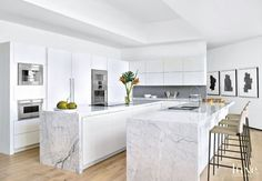 Top Small Kitchen Remodel Ideas Ventilation aspect in kitchen design. Most of us sometimes ignore ventilation as part of the qualities of a good kitchen design. Modern Kitchen Interiors, Modern Kitchen Design, Interior Design Kitchen, Interior Decorating, Studio Kitchen, New Kitchen, Kitchen Decor, Kitchen Ideas, Style Deco