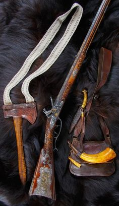 Judson Brennan: The Golden Rifle Set. But, too spectaculare as art to actually ever use. Weapons Guns, Guns And Ammo, Flintlock Rifle, Black Powder Guns, Longhunter, Bushcraft Gear, Powder Horn, Long Rifle, Hunting Rifles