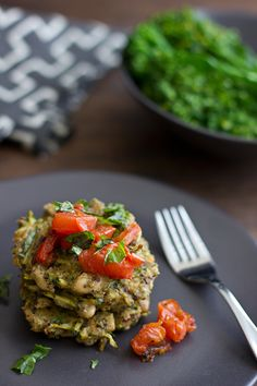 Pesto Quinoa & White Bean Cakes with Roasted Tomatoes via ohmyveggies.com