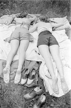 wellesley students, 1938 • alfred eisenstaedt