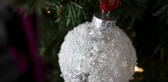 Easy Christmas ornament that you can make using flake snow and a clear glass ornament. Fun way to dress up plain glass ornaments and make your tree shine. Easy Christmas Ornaments, Simple Christmas, White Christmas, Diy Christmas, Christmas Bulbs, Clear Glass Ornaments, Snowball, Easy Diy, Make It Yourself