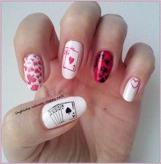 Unghiutze colorate-Happy nails: Alphabet nail art challenge - Letter Q