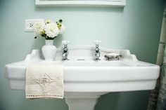 I love this look for the bathroom and I love this blog! The renovation journey of an old farmhouse!