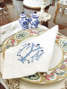 Monogram - The Enchanted Home Monogrammed Napkins, Linen Napkins, White Napkins, Linen Tablecloth, Embroidery Monogram, Embroidery Designs, Baby Embroidery, Chinoiserie, Monogram Fonts