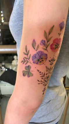 Dreieckiges Tattoos, Body Art Tattoos, Sleeve Tattoos, Ankle Tattoos, Arrow Tattoos, Word Tattoos, Ankle Tattoo Small, Small Tattoos, White Tattoos
