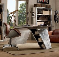 Incroyable Aviator Wing Desk
