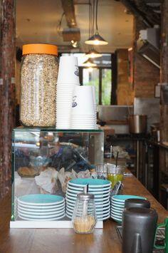 Le Café Chilango, une bonne adresse à ne pas manquer! https://lescarnetsdelauralou.wordpress.com/2015/05/25/un-gouter-au-cafe-chilango/