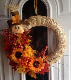 Wreath Crafts, Diy Wreath, Wreath Ideas, Door Wreaths, Straw Crafts, Diy Straw, Fall Crafts, Holiday Crafts, Diy And Crafts