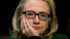 Hillary Clinton foi a 67ª Secretária de Estado dos EUA, foi Senadora entre 2001 e 2009 e também foi 44ª primeira-dama americana de 1993 a 2001.