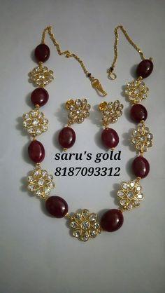 Saved by radha reddy garisa Beaded Jewelry Designs, Jewelry Design Earrings, Gold Earrings Designs, Gold Jewellery Design, Bead Jewellery, Jewelry Patterns, Necklace Designs, Gold Jewelry Simple, Stylish Jewelry