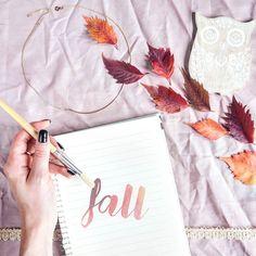 #AutumnVibes  po raz kolejny. Oswajam jesień i knuję projekty #diy na najbliższe tygodnie. Mimo sporadyczych aktualizacji to u mnie jedna z popularniejszych kategorii!  @handsinframe @flatlays @flatlaystyle @flatlayforever @flatlay_tips