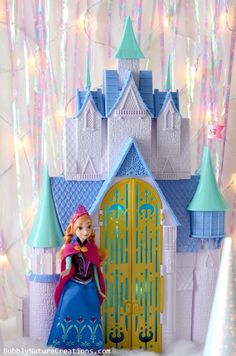 Disney FROZEN Anna and Castle