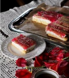 Rebarborový koláč.  RECEPT: www.mnamkyrecepty.sk/recipe/rebarborovy-kolac/