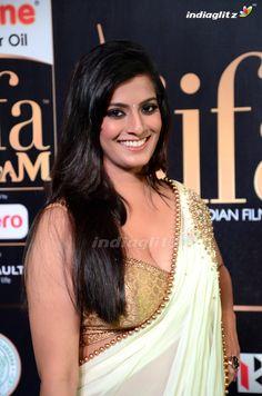 Most Beautiful Bollywood Actress, Indian Bollywood Actress, Bollywood Actress Hot Photos, Indian Actress Hot Pics, Beautiful Actresses, Tamil Actress, Bollywood Girls, Hot Actresses, Indian Actresses