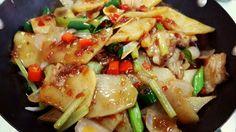 China,Cooked potatoes and pork chops