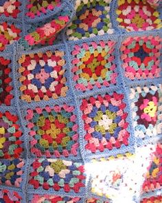 granny square blanket......how to connect my ever increasing number of granny squares! Yes, I have many:)