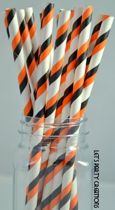 Orange Paper Straws,25 HALLOWEEN Orange and Black Paper Straws, Halloween Parties, Trick or Treat, and Fall Carnival Theme Events, DIY Flags...