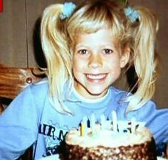 Avril Lavigne - Throwback