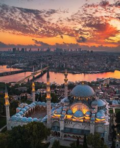 Istanbul is a dream Which photo is your. Istanbul is a dream Which photo is your favorite Courtesy of Istanbul Turkey Tag your best travel photos with Cool Places To Visit, Places To Travel, Places To Go, Turkey Photos, Blue Mosque, Voyage Europe, Turkey Travel, Sunset Photos, Travel Abroad