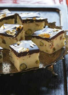 Pistachio and Chocolate Burfi - These indian sweets are the perfect sweet treat for Divali! Indian Dessert Recipes, Indian Sweets, Sweets Recipes, Snack Recipes, Eid Recipes, Eid Sweet Recipes, Indian Recipes, Drink Recipes, Snacks