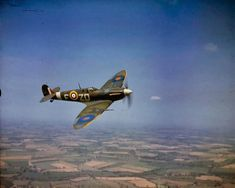 The beautiful Spitfire - in COLOUR!!! - WAR HISTORY ONLINE