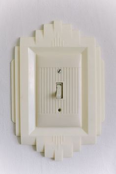 art deco light switch plate....whaaaaaa? yes, please.