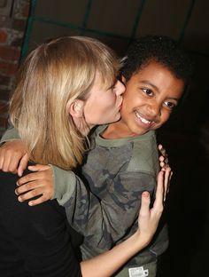 Oh this is so sweet!!! How child anyone think Taylor is mean! All they are is Mean!!!!