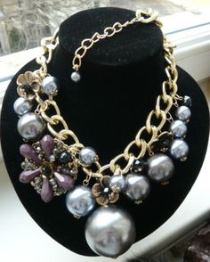STUNNING-HUGE-GREY-PEARLS-FLOWER-CHARMS-CHUNKY-CREW-GOLD-CHAIN-J-NECKLACE-NEW