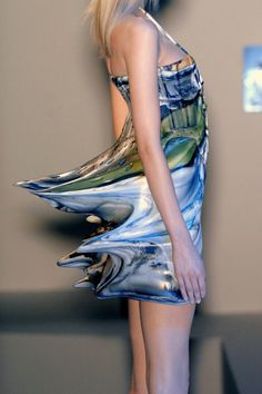 my dream dress. looks like art and water and painting and magic and movement all rolled into fabulousness. Hussein Chalayan Spring 2009