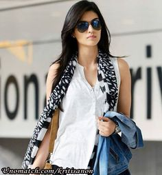#kritisanon #bollywood #celebrity   http://www.unomatch.com/kritisanon/