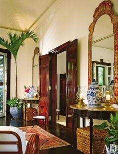 Ralph Lauren-Living Room-Round Hill-Jamaica Love this room! ~ C.N.