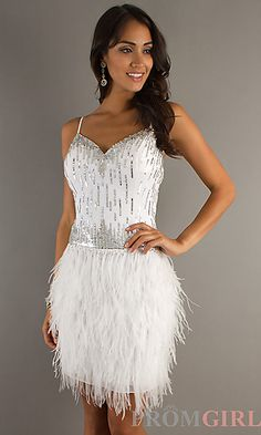 Get the Great Gatsby look with this flapper style dress.