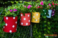 Here are a couple of ideas to revive the outdoors of your house with garden pots and containers! We hope you find the garden pots and containers you. Diy Garden Projects, Diy Garden Decor, Outdoor Projects, Garden Ideas, Patio Ideas, Balcony Decoration, Garden Decorations, Fence Ideas, Backyard Ideas