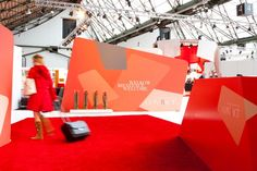 Aluvision   Fabric frames   Seamless fabric walls for large graphics