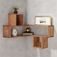 Building some DIY corner shelves might be a great idea for your next weekend project. Corner shelves are a smart solution for your small space. If you want to have shelves but you don't want to be too much on . Corner Shelf Design, Diy Corner Shelf, Floating Corner Shelves, Corner Wall Shelves, Wall Shelves Design, Wood Shelves, Corner Rack, Bookshelf Design, Unique Wall Shelves