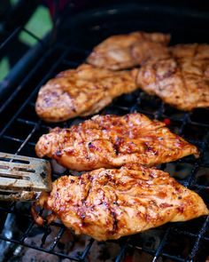 3-Ingredient Italian BBQ Chicken | 1 cup Sweet BBQ Sauc1 cup Italian dressing 4 boneless chicken breasts Combine BBQ Sauce and Italian dressing. Pour over chicken and let marinate in refrigerator 4 hours to overnight.Grill chicken approximately 15 minutes, or until done.