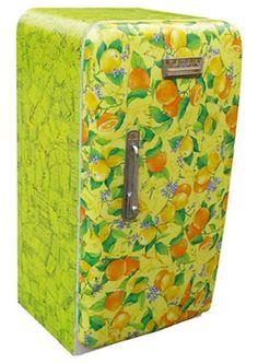 Funky fridge!  http://www.countryloveceramics.com/decoupage-decopatch-napkin-art/