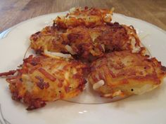 These almost homemade tater tots are easy, yummy, and so much better than frozen. The secret is using shredded potatoes from the grocery, which cuts prep time in half! Veggie Recipes Healthy, Healthy Dishes, Healthy Snacks, Potato Recipes, Side Recipes, Brunch Recipes, Homemade Tater Tots, Potato Tots, Shredded Potatoes