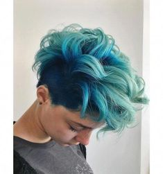 dyed hair everywhere - Kurze Haare Ideen Ombre Curly Hair, Teal Hair, Ombre Hair Color, Cool Hair Color, Curly Hair Styles, Hair Colors, Short Blue Hair, Short Hair Cuts, Short Dyed Hair