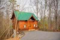 Jean's Dream 2 - 1 Bedroom Gatlinburg Cabin Rental: Newly Listed Cabin! Discover serenity at Jean's Dream, a beautiful cabin in between Pigeon Forge and Gatlinburg, where the perfect blend of tranquility and convenience in a lush wooded setting can b