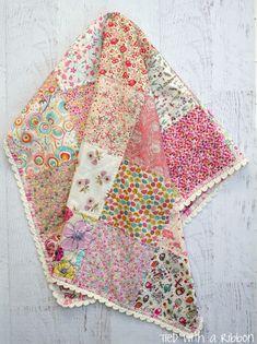 Crochet Blanket Edging, Baby Girl Crochet Blanket, Crochet Quilt, Baby Girl Quilts, Girls Quilts, Baby Girl Blankets, Crochet Baby, Crochet Trim, Quilt Baby