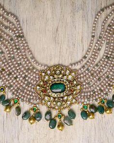 Antique Jewellery Designs, Gold Earrings Designs, Gold Jewellery Design, Necklace Designs, Antique Jewelry, Fancy Jewellery, Bridal Jewellery, Diamond Jewellery, Vintage Jewellery