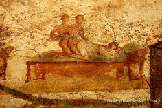 Picture of erotic art in Pompeii Ancient Egyptian Art, Ancient Aliens, Ancient Rome, Pompeii Ruins, Pompeii And Herculaneum, Historical Monuments, Historical Art, Greek Mythological Creatures, Décor Antique
