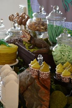 """Candy Chic Styled this Swamp party for her son's Jett's birthday. As told by the lovely Kristy """"He requested a swamp party as he loves the show Swamp People and all things alligator! Crocodile Party, Swamp Party, Alligator Party, Reptile Party, Backyard Cookout, Dessert Buffet, Pirate Party, Birthday Party Themes, 25th Birthday"""