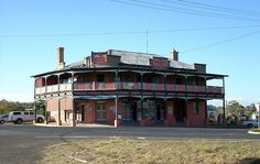 Corner Bandulla and Yalcogran Streets, Mendooran Country Stores, Country Life, Australia Living, Australia Travel, Old Pub, Vintage Hotels, Sunshine State, Capital City, Pos