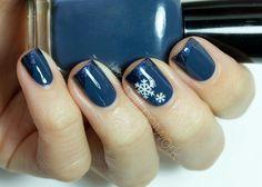 Snowflake nails ♥